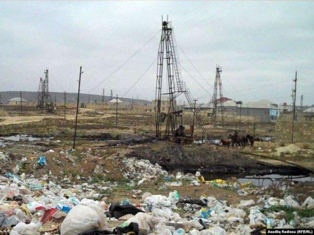 Проект азербайджанской компании: коридор из мусора.